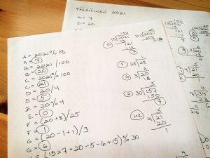 Kaavamaisia laskuja ja jakokulmia paperilla